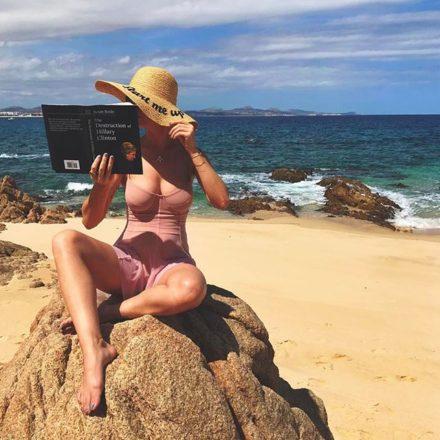 Katy Perry luce su sensual figura en México